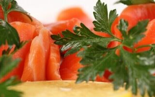 Польза петрушки, калорийность
