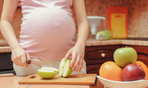 Свойства яблок во время беременности