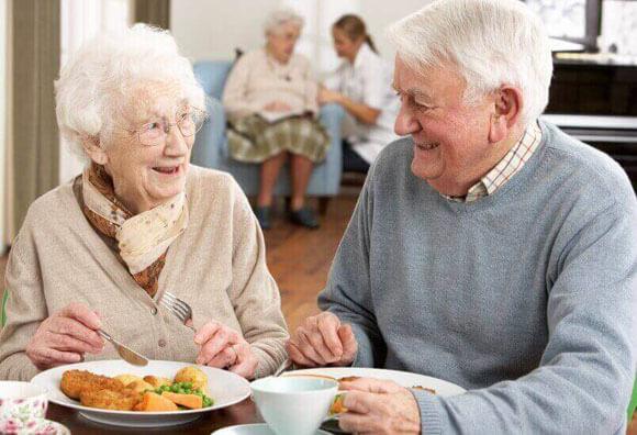 Pitanie pry demenciy