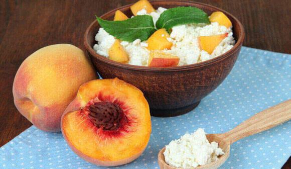 Творог и фрукты