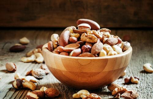 Сколько орехов есть в сутки
